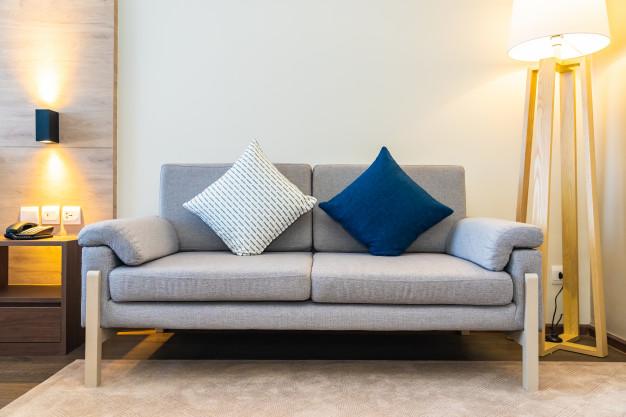 Hvorfor bør du overveje at købe dine møbler online?